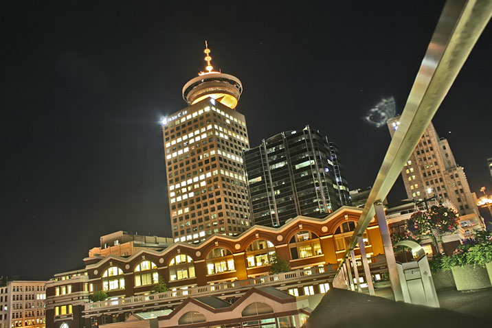harbourcentertoweratnight.jpg