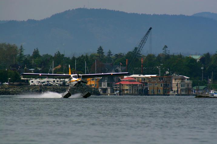 seaplane_landing.jpg