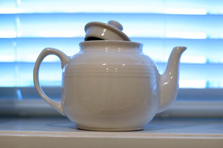 teapot_white.jpg
