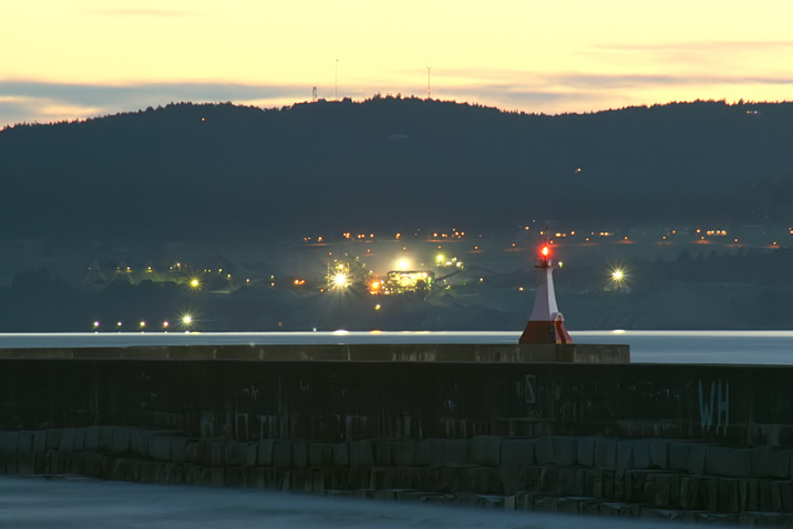 twilight_breakwater.jpg